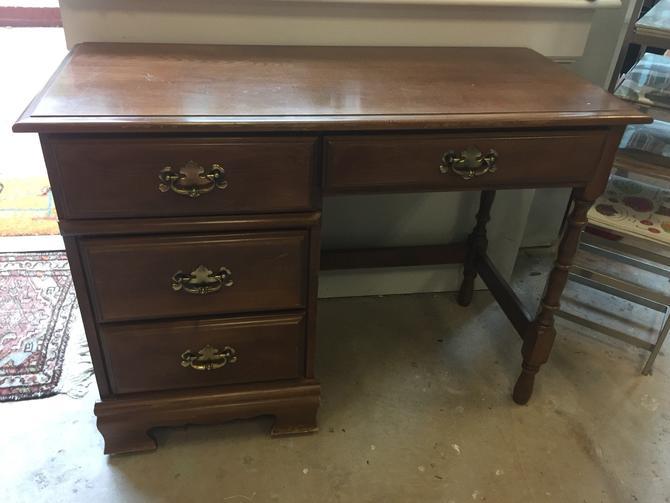 Small Desk by StylishPatina