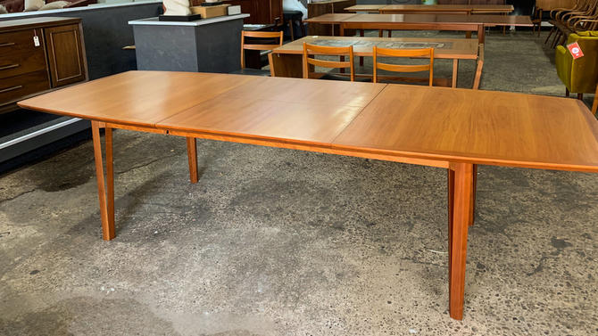 Cherry extension dining table