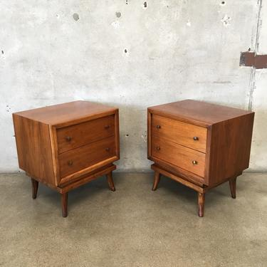 Pair of Mid Century Modern Night Stands By Martinsville