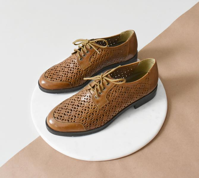 vintage oxfords, brown leather lace up shoes, size 7 by ImprovGoods