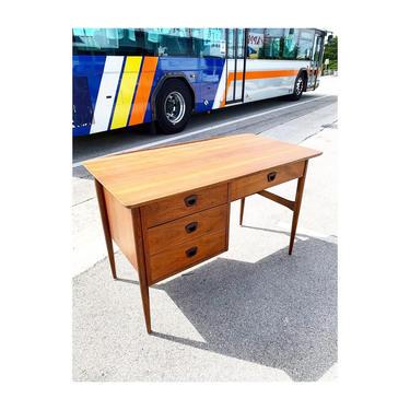 Mid Century Modern Desk by Bassett by FlipAtik