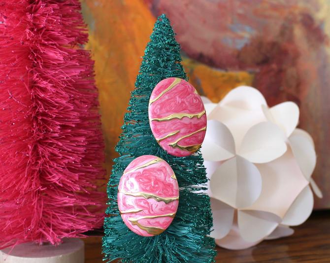 s.a.l.e. Vintage 80s Pink & Gold Drop Earrings - Oversize Oval Marbled Enamel Metallic Earrings by SecondShiftVintage