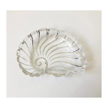Vintage Glass Shell Tray by SergeantSailor