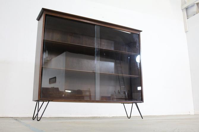 Mid Century Danish Modern Bookcase On Hairpin Legs By Willet by AnnexMarketplace