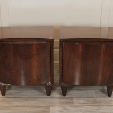 Mid-Century Modern Pair Of Walnut Side/End Tables