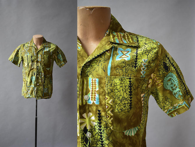 Green Vintage Hawaiian Button Up / Mens Vintage / 1960s Hawaiian Shirt / Tiki Hawaiian Button Down / 1960s SMALL Mens Vintage Shirt / Totem by milkandice