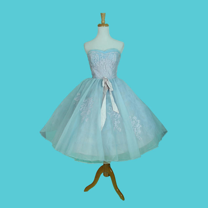 a8972402cd Vintage 1950s Baby Blue Dress