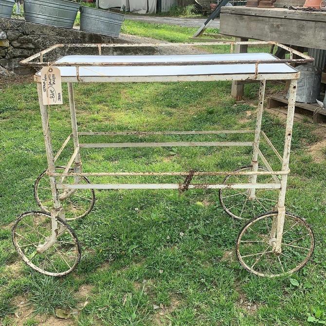 Cool, Vintage Entertaining Cart