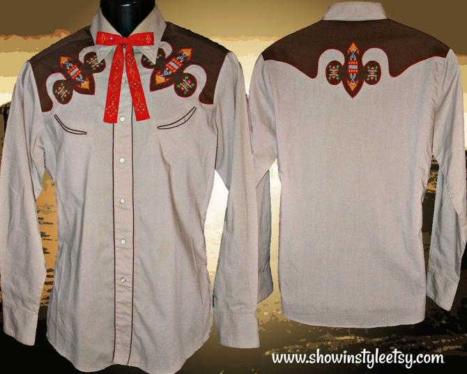 Kennington Vintage Western Men's Cowboy Shirt, Rodeo Shirt, Embroidered Native American Arrowhead Design, Tag Size Medium (see meas.) by ShowinStyle