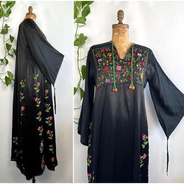 BEDOUIN DRESS Vintage 30s 40s | 1930s 1940s Palestinian Kaftan Caftan | Hand Embroidered Floral Dress | Boho Hippie Folk | Size Medium Large by lovestreetsf