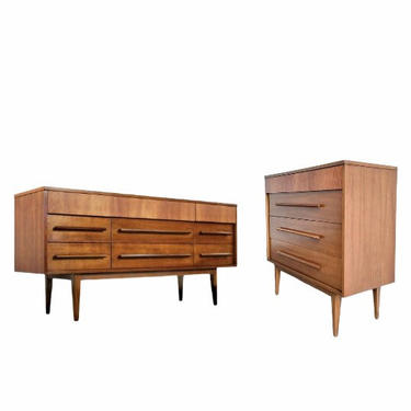 Free Shipping Within US - Mid Century Modern Dresser Drawer Bedroom Set (Mirror Not Included) by BigWhaleConsignment