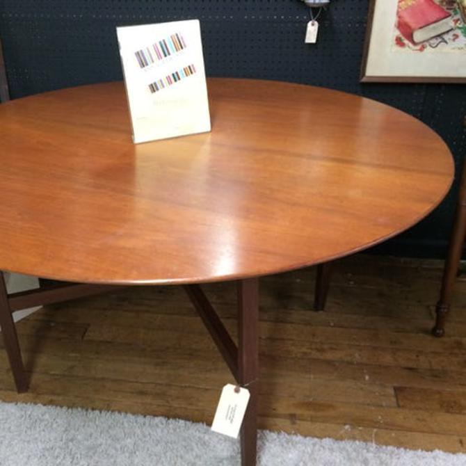 Vintage Knoll walnut round dining table