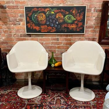 Retro tulip chairs (that swivel!) with midcentury modern still life