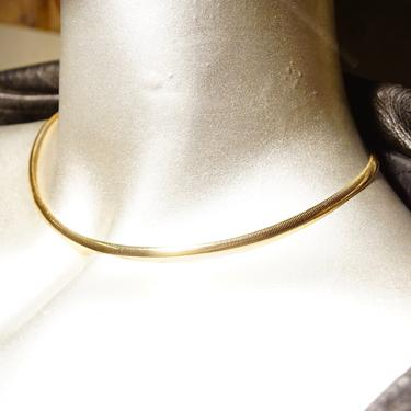 """Vintage Italian 14K Yellow Gold Omega Collar Necklace, 4mm, Minimalist Solid Gold Choker, Lustrous, Made In Italy, 585 Jewelry, 16"""" L by shopGoodsVintage"""