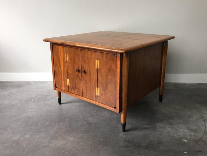 vintage mid century modern Lane Acclaim square cabinet table.