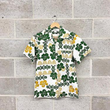 Vintage Shirt Retro 1970s Darina Honolulu + Hawaiian Print + Size Small + Short Sleeve + Button-down + Hibiscus Print + Unisex Apparel by RetrospectVintage215