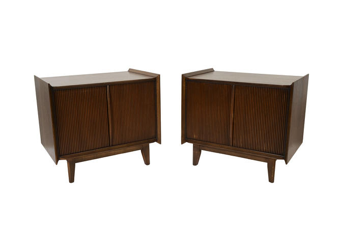 Walnut Nightstands Lane First Edition Mid Century Modern by HearthsideHome