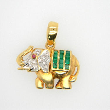Vintage 18k Yellow Gold Emerald Diamond Elephant Pendant Necklace Unique by HouseofVintageOnline