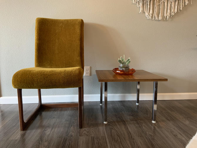 Vintage 1970s Chrome and Laminate End Table by DesertCactusVintage