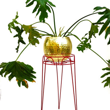 """21"""" Vintage Mid-Century Red Metal Hairpin Plant Stand    Atomic Eames-Era Color Pop Iron Indoor/Outdoor Tripod Planter Stand by ELECTRICmarigold"""