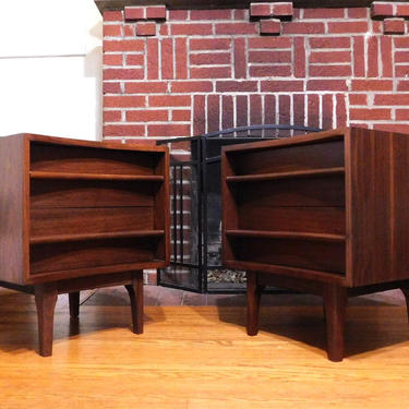 Mid Century Modern Walnut Curved Front Pair End Tables (PureVintageNYC) by PureVintageNYC
