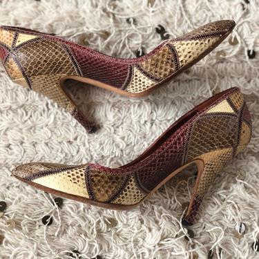 Vintage GUCCI Tom Ford Era Beige Brown Red PYTHON print Snakeskin Leather Pumps Heels Shoes eu 40 us 10 by MoonStoneVintageLA