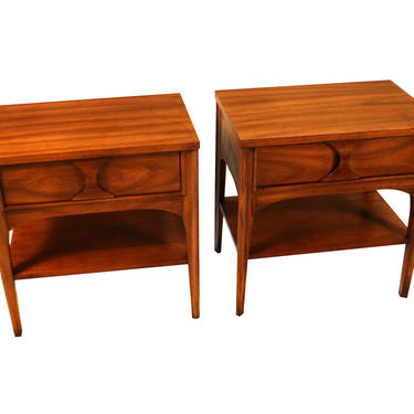 Pair Kent Coffey Perspecta Rosewood Pecan Nightstands tables