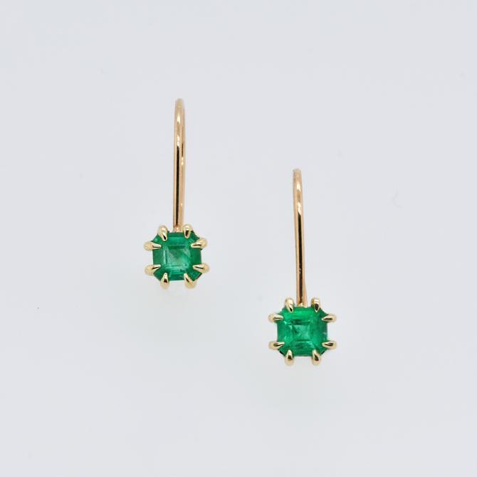 Zephyr Emeralds Earrings