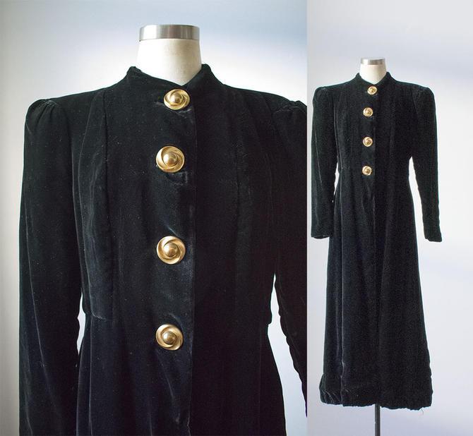 Vintage Black Velvet Evening Coat / Dramatic 1940s Cloak / Black Velour Coat / Opera Coat / Floor Length Cloak / Vintage Goth Cloak by milkandice