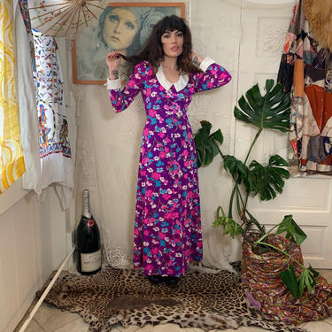 70's FLORAL MAXI DRESS - purple and white - collar and cuffs - small by GlamItToHell