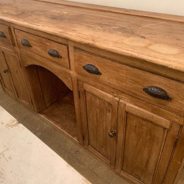 Antique Cupboard by coloniaantiques
