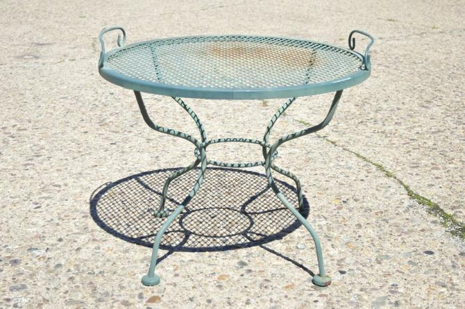 Meadowcraft Micro Mesh Wrought Iron Round Coffee Table with Serving Tray Top