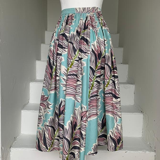 Late 1940s Cotton Print Skirt Bold Graphic Muted Colors 26 Waist Vintage by AmalgamatedShop