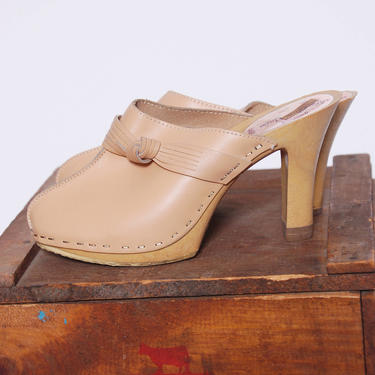 6e6d154445149 Vintage 70s LEATHER Clogs BEIGE Leather Slip On Heels Boho Mules 70s  Platform Leather Shoes by LotusvintageNY