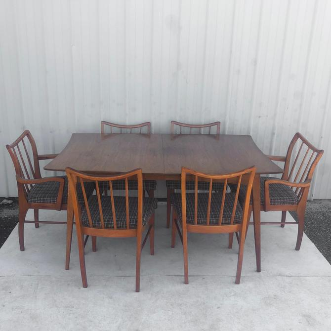 Mid-Century Modern Dining Set With Table & Six Chairs by secondhandstory