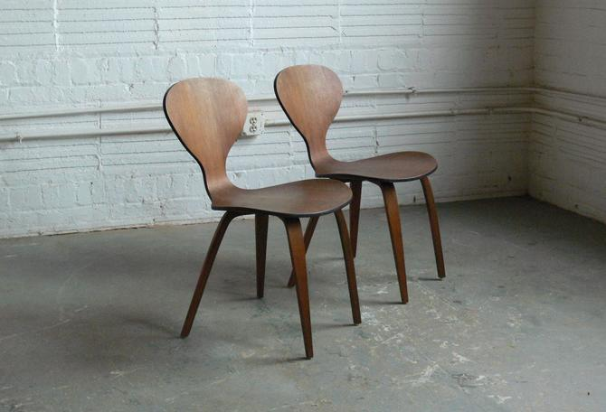 Plycraft Molded Plywood Side Chairs Attributed to Norman Cherner (Set of 2) by CoMod