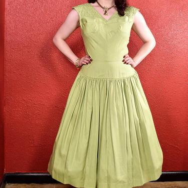 1950s Lime Green Cotton Full Skirt Dress Soutache Panel by THEGIRLCANTHELPITUSA