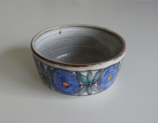 Vintage Scandinavian Modern Style Pottery Bowl by ModandOzzie