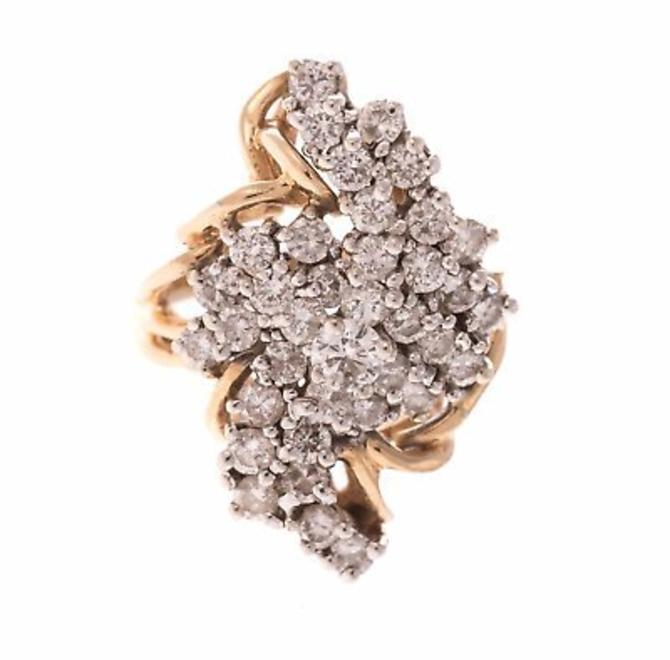 Beautiful 14K yellow gold ring featuring 31 full cut diamonds weighing approx. 2.50 ctw by LazyCamel
