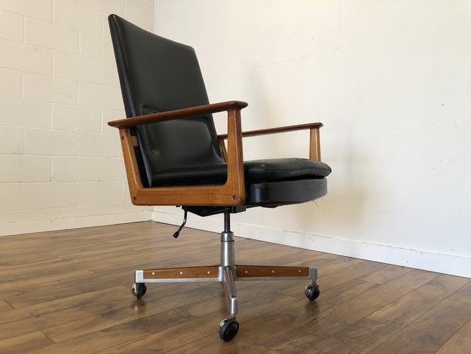 Arne Vodder Teak & Leather Executive Chair