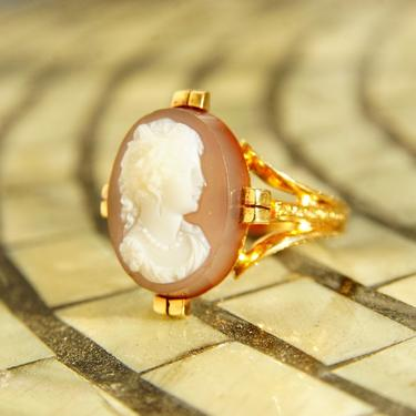 Victorian 18K Rose Gold Hardstone Cameo Ring, Antique Carved Agate Cameo, Intricately Embossed Rose Gold Band, Unique Ring, Size 9 1/4 US by shopGoodsVintage