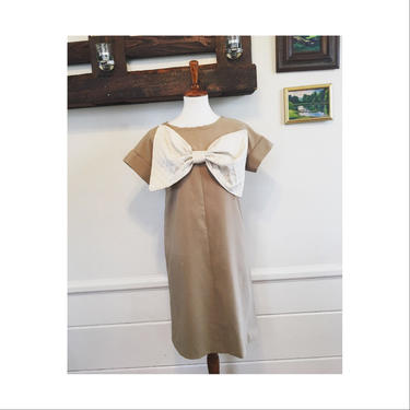 1960's large bow handmade dress by MamaTequilasVintage