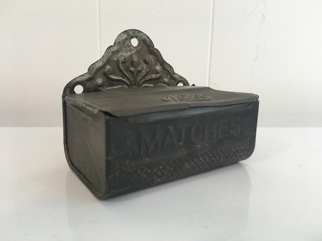 Vintage Nesco Metal Match Safe Well Holder Safe Matches