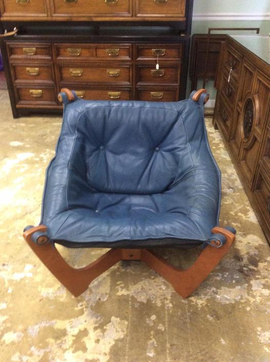 Odd Blue Knutsen Leather Chair by JasperKane