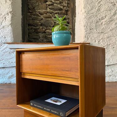 Mid century nightstand Danish modern end table mid side table by VintaDelphia