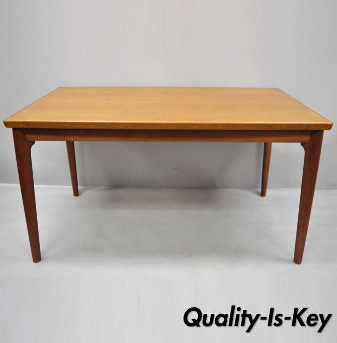 Vintage Mid Century Danish Modern Extending Teak Extension Dining Room Table