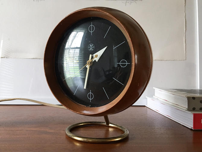 Rare George Nelson Associates Walnut Table Clock Model 4765a Wood