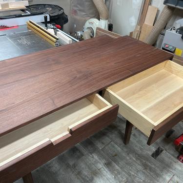 Custom desk for Lisa by AvocationHardwoods