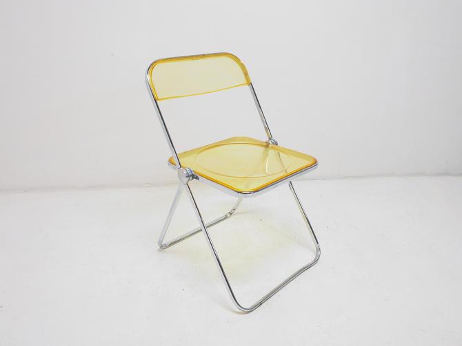Plia Chair by BetsuStudio