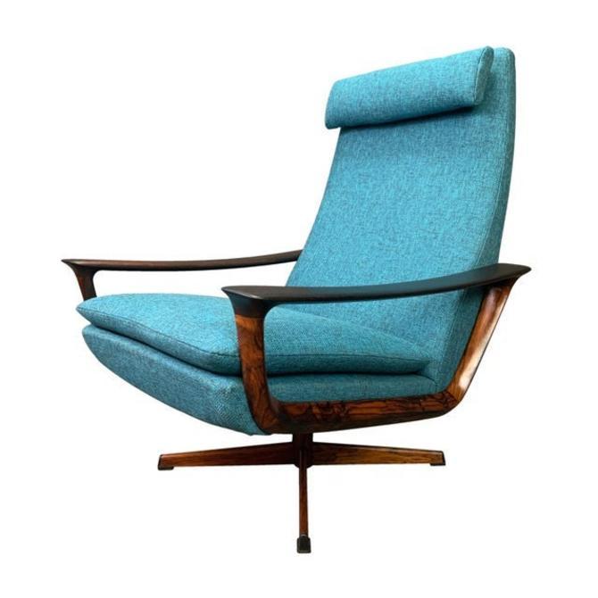 Vintage Scandinavian Mid Century Modern Rosewood Lounge Chair by Johannes Andersen for Trensum by AymerickModern